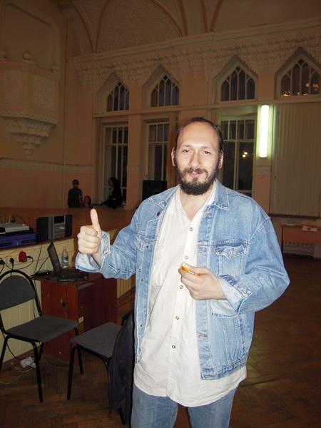 Евгений Пименов читает свои стихи