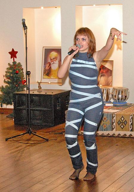 Анна Пименова с песней Постой мужчина!